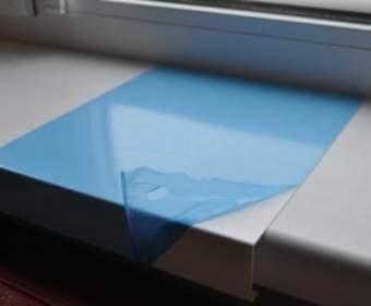 Что собой представляют пластиковые накладки на подоконник
