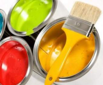 Как выбрать краску для стен и потолка