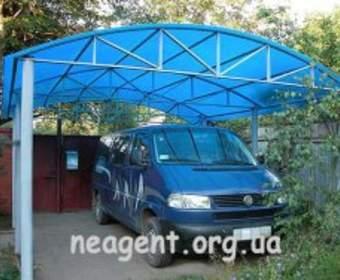 Навес из поликарбоната - надежное укрытие для автомобиля!