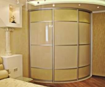 Радиусные шкафы: новые формы, проверенная функциональность