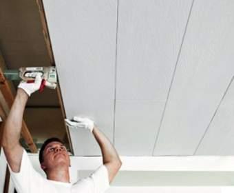 Потолок из пластиковых панелей: плюсы, минусы, процесс обшивки