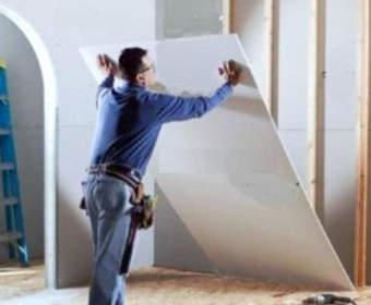 Как обшить стены гипсокартоном: варианты отделки — каркас или клей, технология